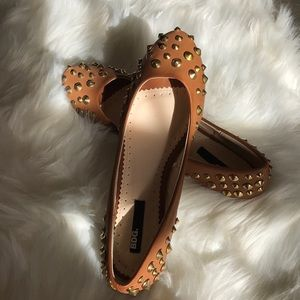 Rounded Toe Cognac Gold Spiked Flats
